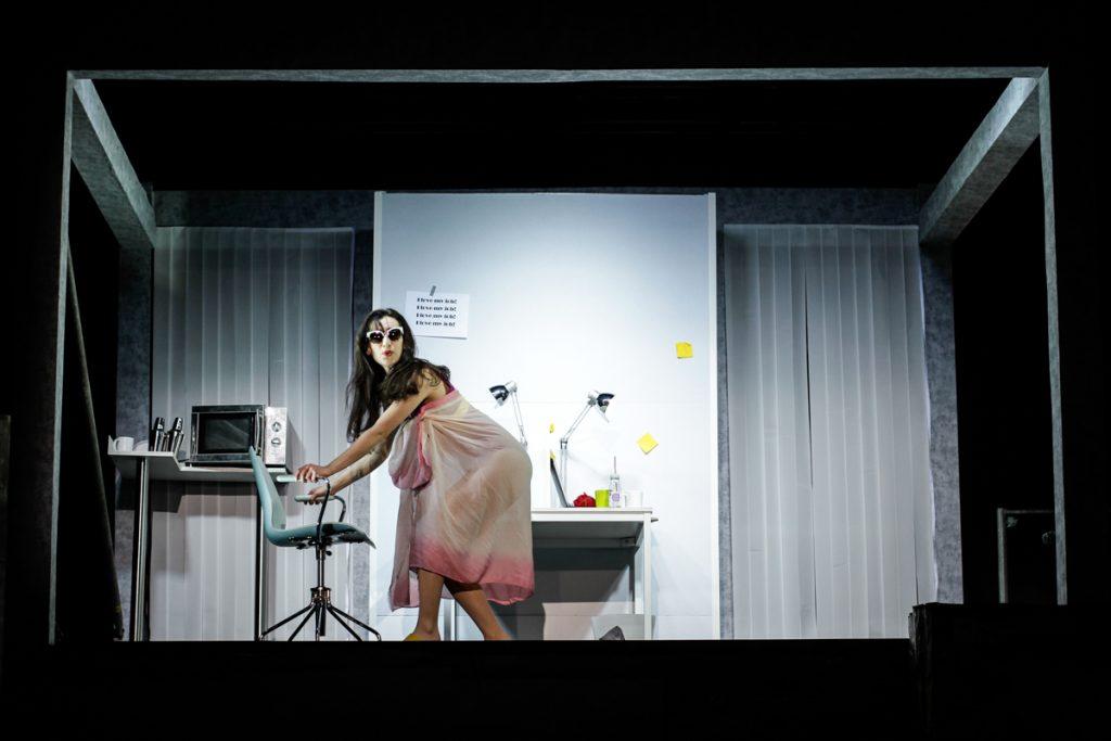 """Bühnenbild für das Oper """"My Corporate Identity"""" - Neue Szenen III - Ivan Ivanov - Deutsche Oper Berlin - Tischlerei"""